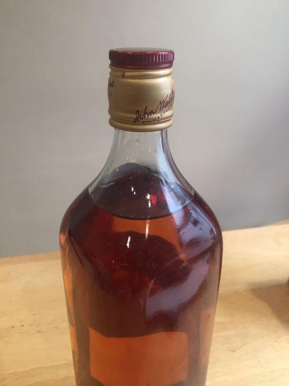Johnny Walker Red Label whisky - 1l, 70's/80's bottling, original box