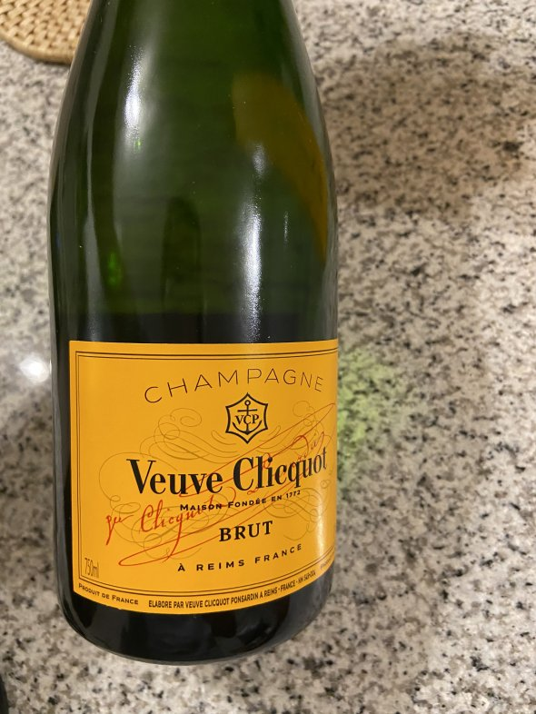 Veuve Clicquot, Yellow Label, Champagne, France, AOC