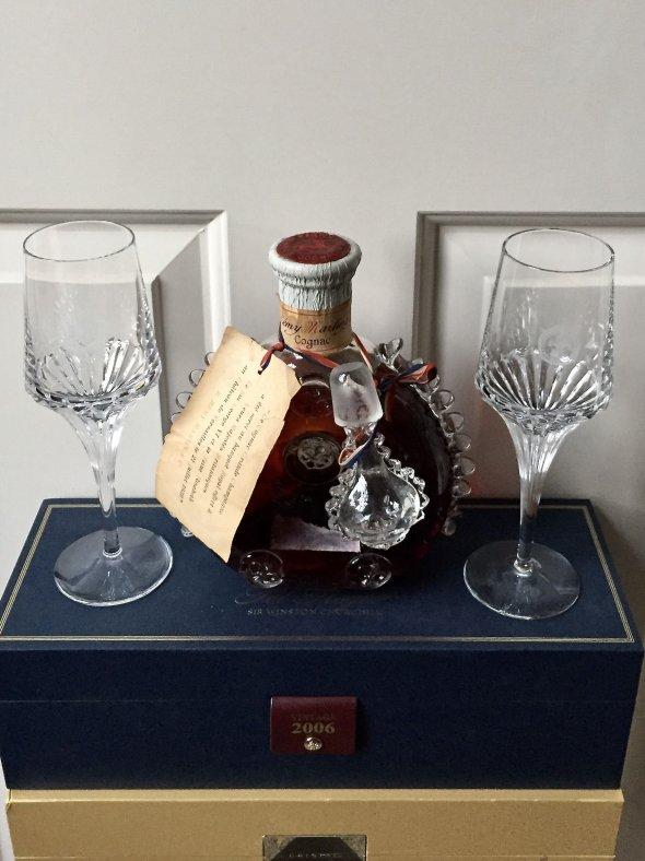 Pre-WW2 bottling of Remy Martin, Louis XIII Cognac + 2 Louis XIII Baccarat glasses