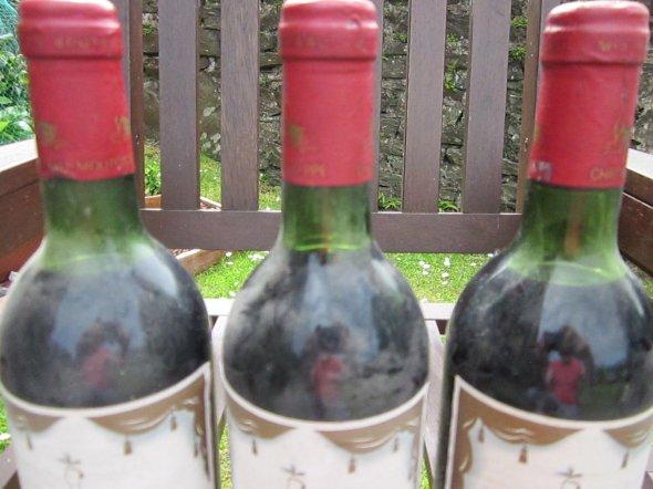 Three Bottles Chateau Mouton Baronne Philippe, Pauillac 1982