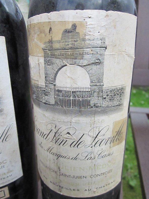 Two Bottles Grand Vin de Leoville Marquis de Las Cases, Saint-Julien 1961 and 1966