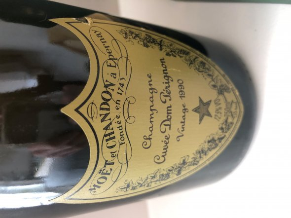 Moet et Chandon, Champagne Cuvee Dom Perignon, 1990